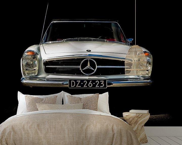 Sfeerimpressie behang: MERCEDES-BENZ 280SL 1970 van marco de Jonge