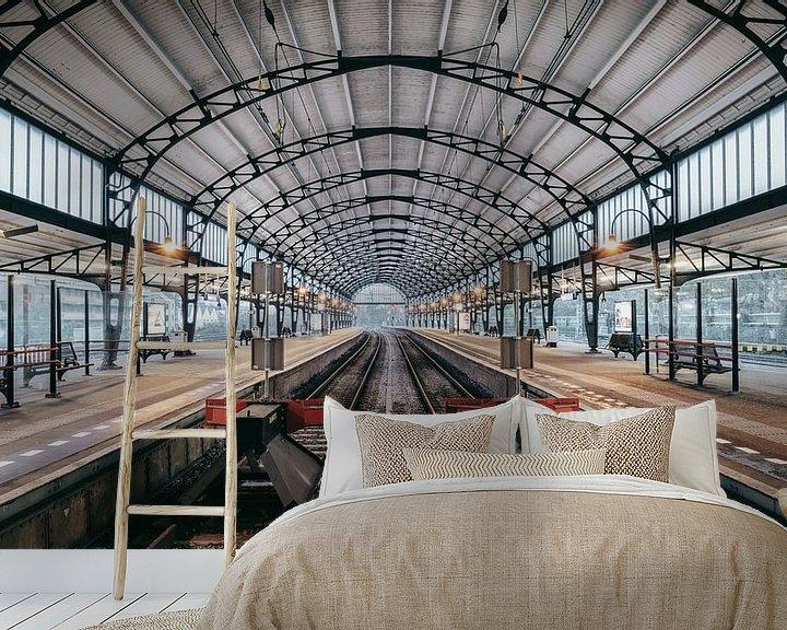 Sfeerimpressie behang: Haarlem: Station perron west van Olaf Kramer