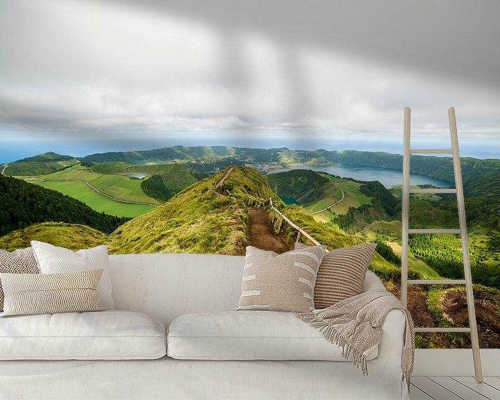 Sfeerimpressie behang: Uitzicht van Boca do Inferno, São Miguel, Azores, Portugal van Ellis Peeters