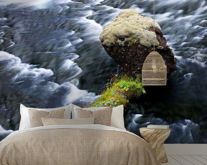 Sfeerimpressie behang: Rock in water van John Been