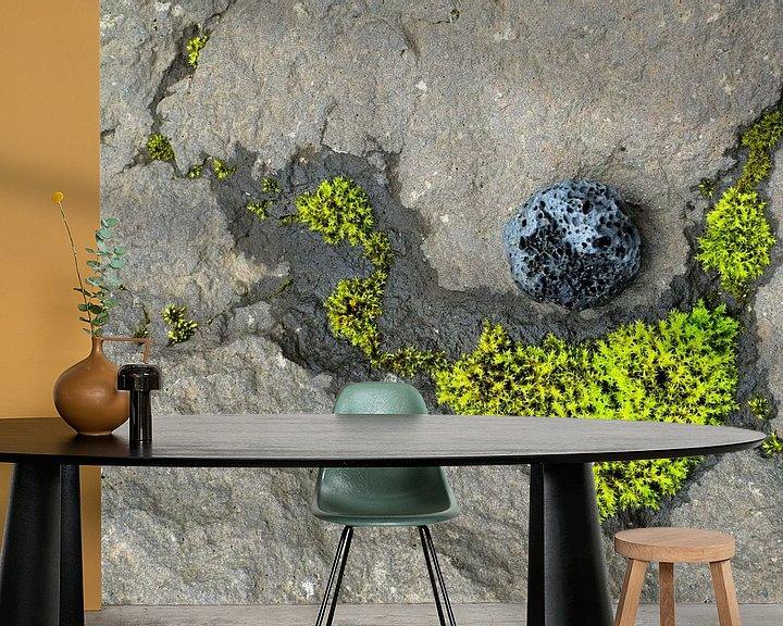 Sfeerimpressie behang: Mossy constellation van John Been