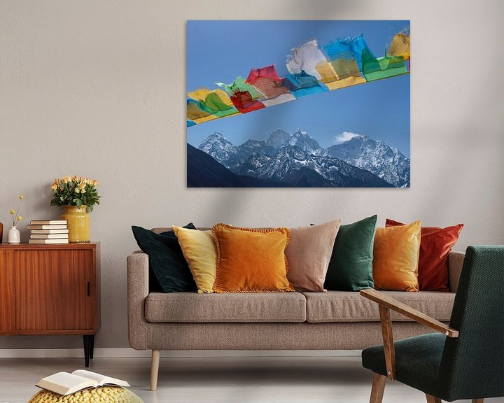 Sfeerimpressie: Boeddhistische gebedsvlaggen in de Nepalese Himalaya van Menno Boermans