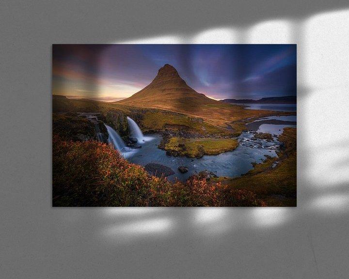 Sfeerimpressie: Kirkjufell IJsland In de Herfst Zonsondergang van Albert Dros