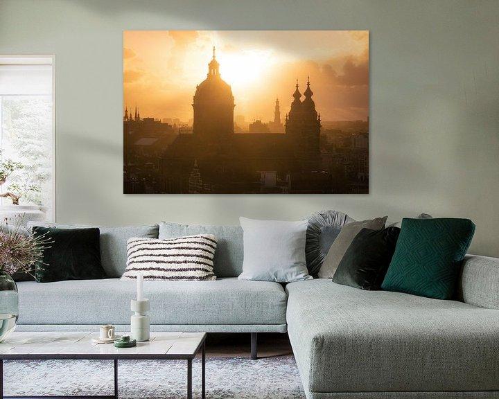 Sfeerimpressie: Nicolaasbasiliek in Amsterdam tijdens Zonsondergang van Albert Dros