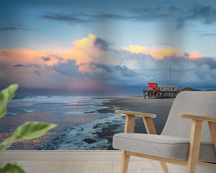 Sfeerimpressie behang: Strand Petten bij zonsondergang van Pim Leijen