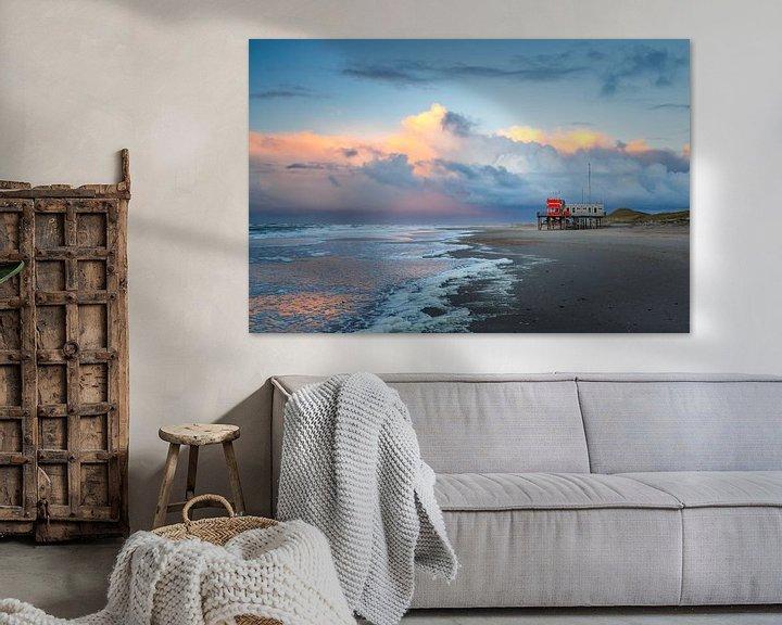 Sfeerimpressie: Strand Petten bij zonsondergang van Pim Leijen