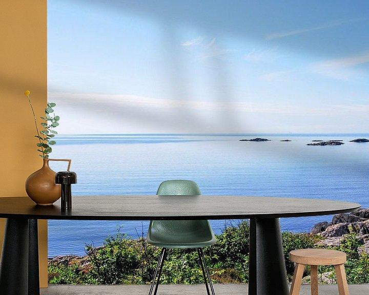 Sfeerimpressie behang: zeezicht in Noorwegen van Marlies Wolfert