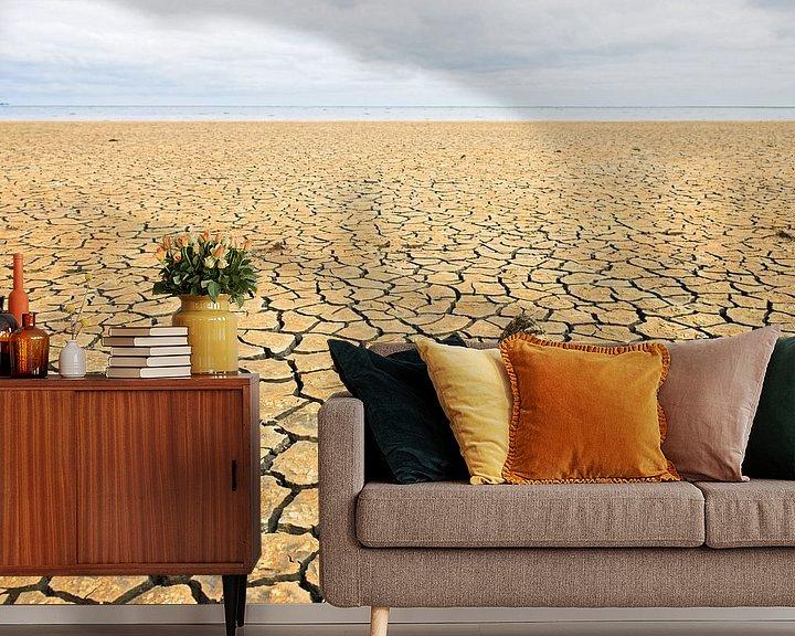 Sfeerimpressie behang: Gescheurde grond van Hans Kerchman