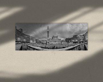Siena - Piazza del Campo - B&W sur Teun Ruijters