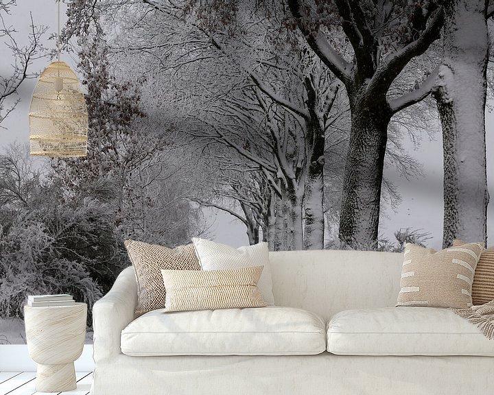 Sfeerimpressie behang: Sneeuw, wind en kou in de polder. van Paul Wendels