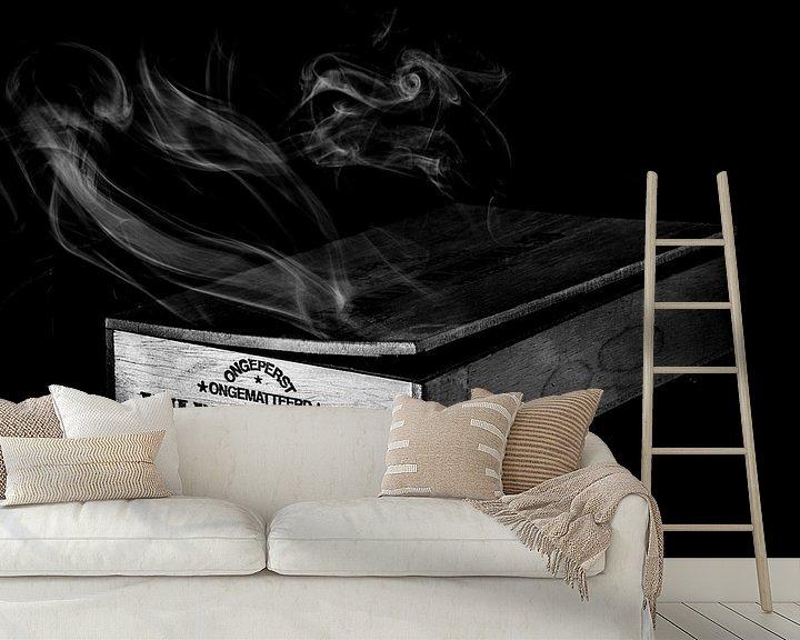 Sfeerimpressie behang: Waar rook is, zijn Wilde Havana's (Zwart-wit) van Marcel Runhart