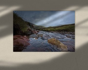 Landschap water Schotland highlands  Natuur von Ronald Groenendijk