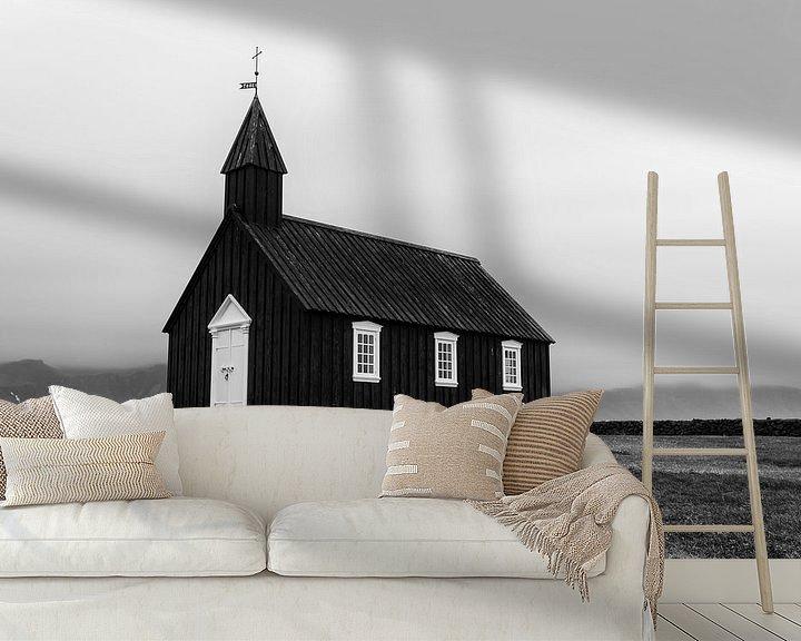 Sfeerimpressie behang: Zwarte kerk Búðakirkja  van Stephan van Krimpen