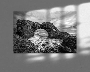 Meeresbogen Gatklettur Island von Stephan van Krimpen