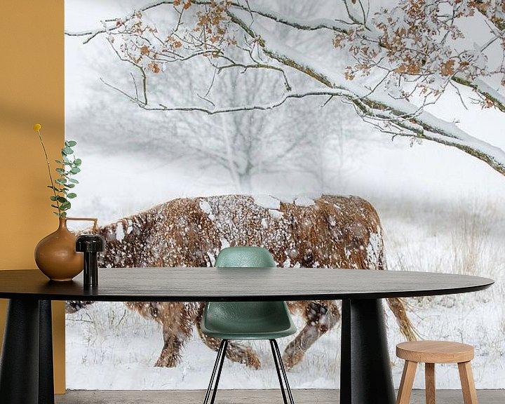 Sfeerimpressie behang: Door de sneeuw heen van Nando Harmsen