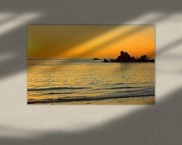 Coucher de soleil à Cobo Bay sur Gisela Scheffbuch