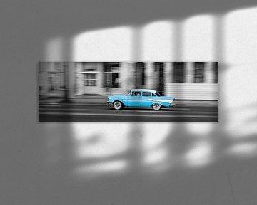 Taxi in Havana van Cor Ritmeester