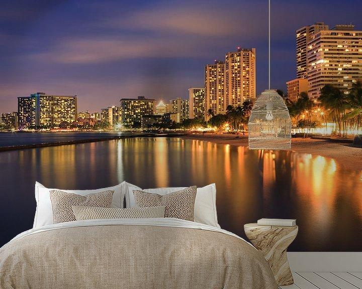 Sfeerimpressie behang: Waikiki Beach - Honolulu - Hawaii van Henk Meijer Photography