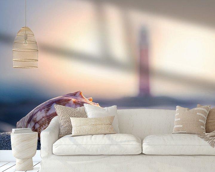 Sfeerimpressie behang: Schelp & vuurtoren Texel  van Texel360Fotografie Richard Heerschap