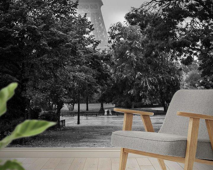 Sfeerimpressie behang: Parijs in de regen van Emil Golshani