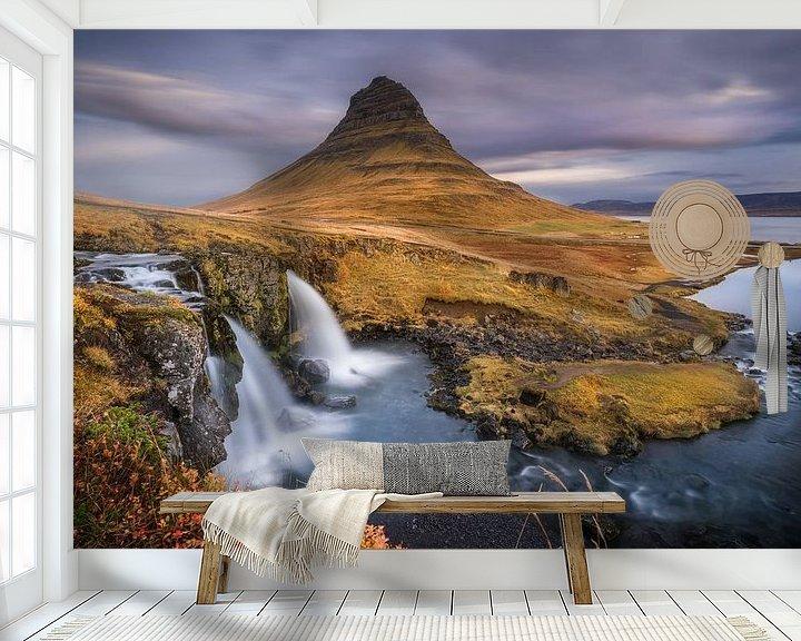 Sfeerimpressie behang: Kirkjufell watervallen van Martijn Kort