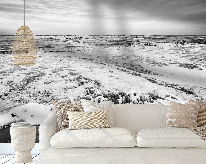 Sfeerimpressie behang: Game of Sea and Beach van Roland de Zeeuw fotografie