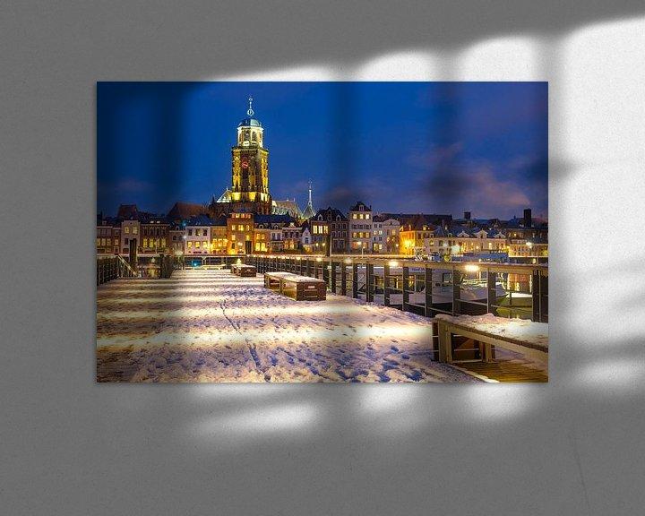 Sfeerimpressie: Skyline van Deventer aan de IJssel tijdens een koude winteravond van Sjoerd van der Wal