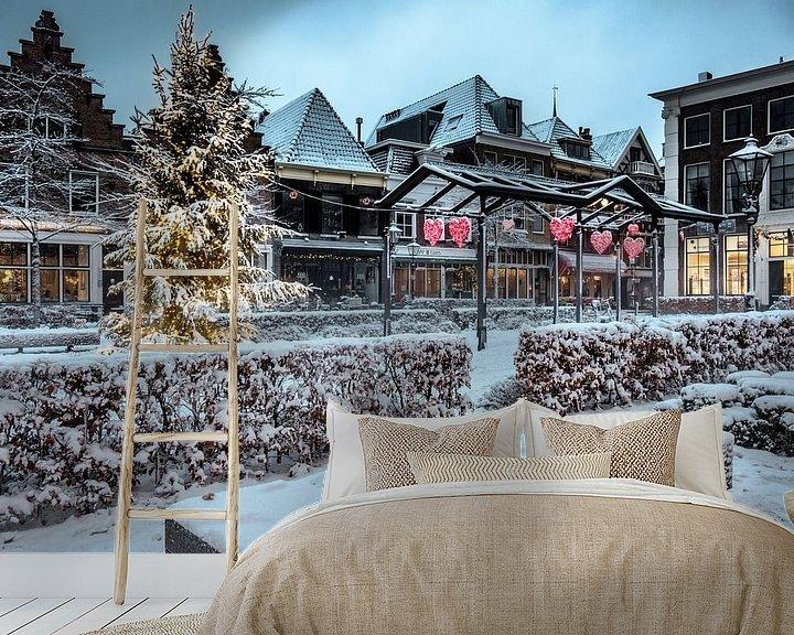 Sfeerimpressie behang: Kerst op de Nieuwe Markt in Zwolle met sneeuw, lichtjes en een kerstboom van Sjoerd van der Wal