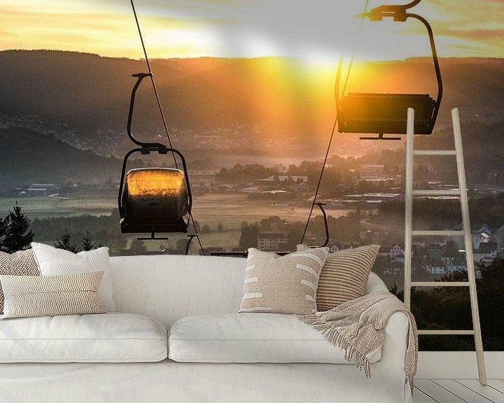 Sfeerimpressie behang: Kabelbaan bij zonsopkomst van Lucas De Jong