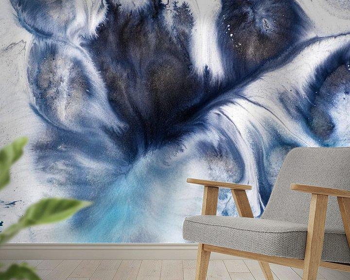 Sfeerimpressie behang: Blauwtinten inkt van angelique van Riet