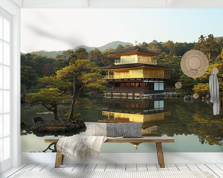 Sfeerimpressie behang: De gouden tempel (Kinkaku-ji), Kyoto, Japan van Roger VDB
