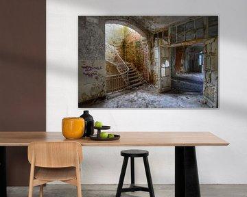 Staircase. Beelitz Heilstatten, Germany von Robin Boer