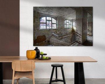Off white windows. Beelitz, Germany von Robin Boer