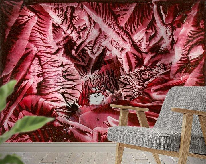 Sfeerimpressie behang: Encaustic Art rood zwart wit van Erica de Winter