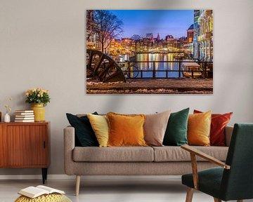 Amsterdam verlicht van Leon Weggelaar
