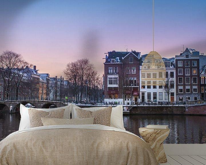Sfeerimpressie behang: Amsterdam van Leon Weggelaar