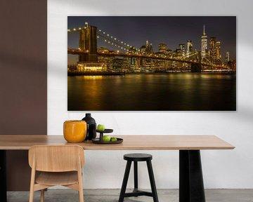 New York, Brooklyn Bridge bij nacht, de verbinding tussen Brooklyn en Lower Manhattan over de East R