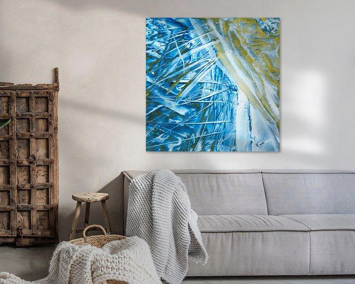 Sfeerimpressie: Encaustic Art blauw goud van Erica de Winter