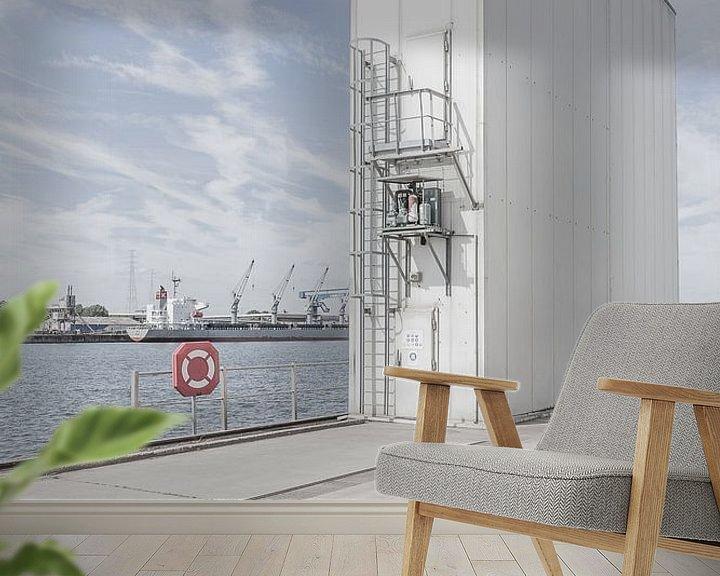 Sfeerimpressie behang: Identiteitsloze haven #7 van Maarten De Wispelaere