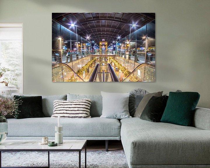 Sfeerimpressie: Amsterdam central bus station van Dennis Dieleman