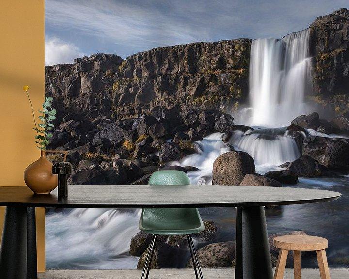 Sfeerimpressie behang: Waterval van Jeroen Linnenkamp