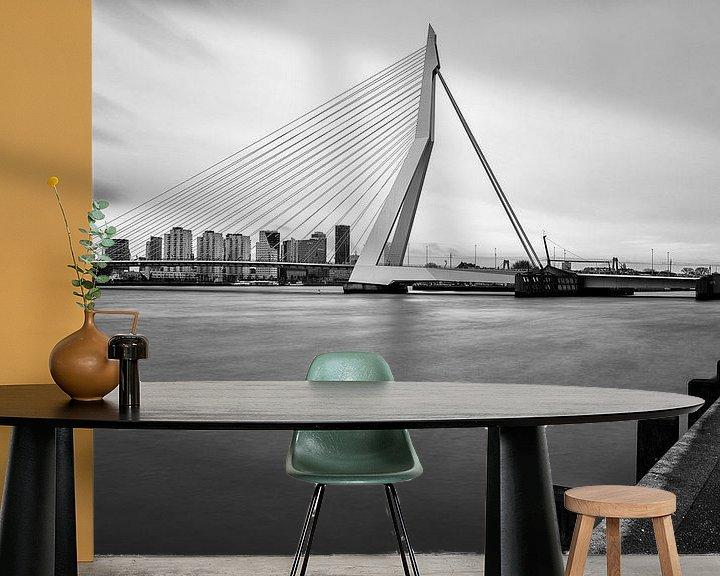 Sfeerimpressie behang: Erasmusbrug   Zwart-Wit Foto van Mark De Rooij