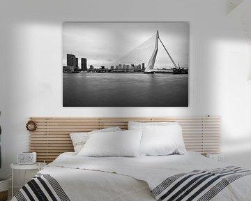 Zwart-wit foto van de Erasmusbrug von Mark De Rooij