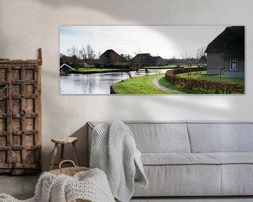 zicht op het dorp Dwarsgracht, Giethoorn, Nederland von Leoniek van der Vliet