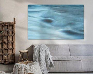"""""""Water motion""""  -  stromend water in een beek (long exposure)"""