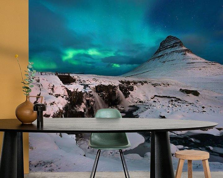 Beispiel fototapete: Kirkjufell aurora von Wojciech Kruczynski
