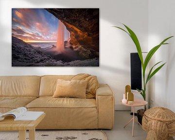 Seljalandsfoss cave van Wojciech Kruczynski