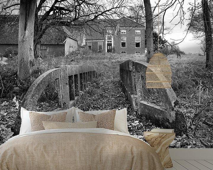 Sfeerimpressie behang: Vervallen boerderij in de provincie Groningen (zwart-wit) van Evert Jan Luchies