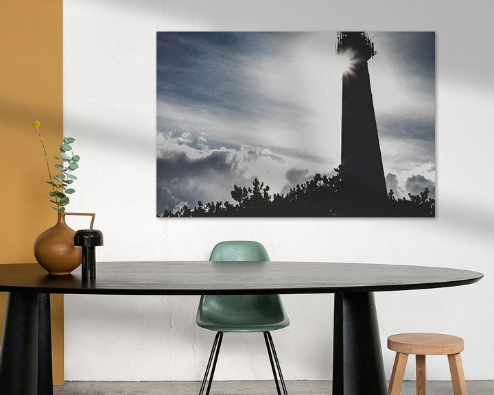Sfeerimpressie: Silhouet Vuurtoren Ameland van Nico van der Vorm