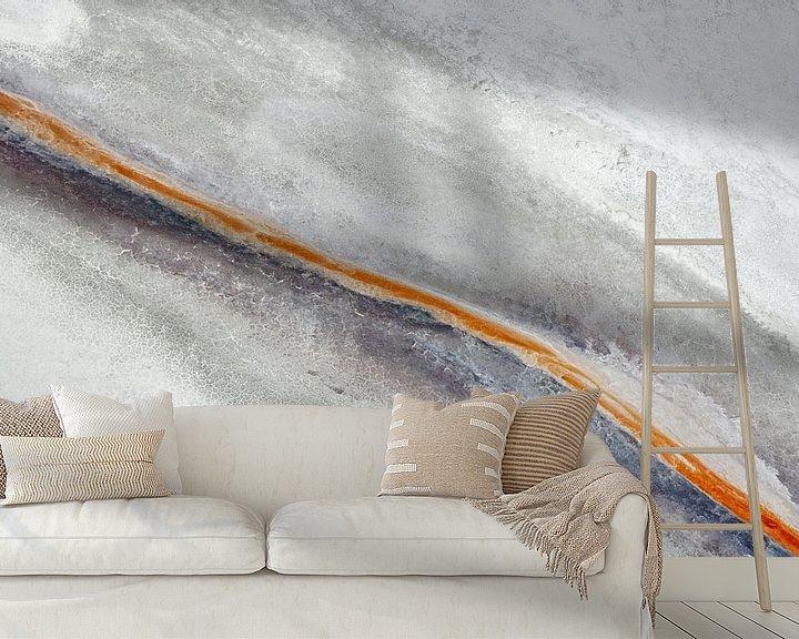 Sfeerimpressie behang: Colours of Water, Owens Dry Lake,   Californië, USA van Marco van Middelkoop